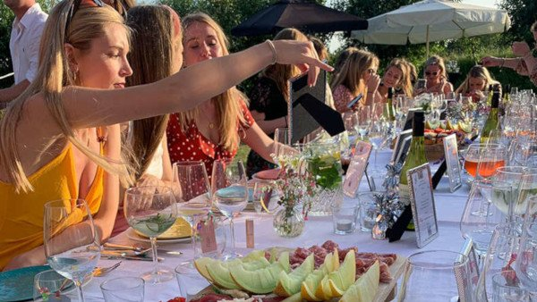 Huren feest verjaardag diner rouwbijeenkomst zaal Walcheren Zeeland